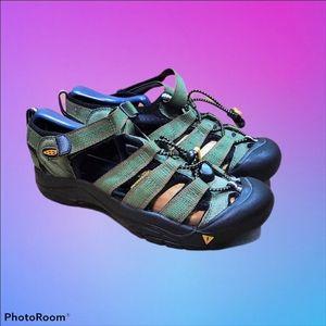 Keen Newport H2 Waterproof Sandals Size 4